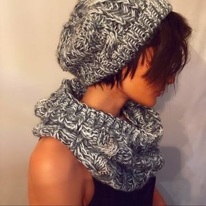 2 piece Hat and Scarf for cold weather